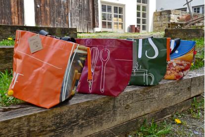 Upcycling Leutkirch-Taschen: Echte Unikate für einen bunten Sommer